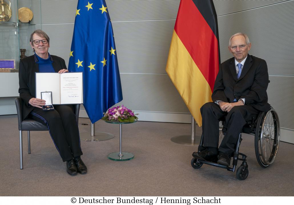 Verleihung des Bundesverdienstkreuz an Barbara Hendricks